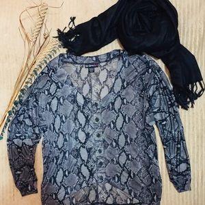 💕snake skin designed blouse